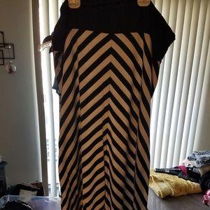❤XXL (20) Black & White striped maxi skirt